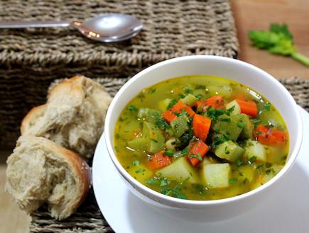 מרק ירקות 1 (צילום: אסתי רותם ידידיה ,אוכל טוב)