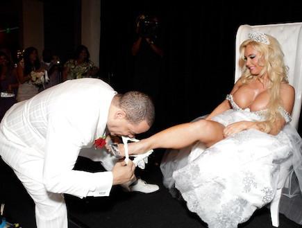 קוקו בחתונה