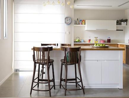 מבט למטבח אחרי שיפוץ - ענת שמעוני זינגר (צילום: גלית דויטש)