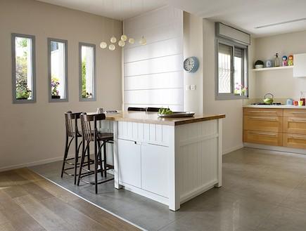 מבט למטבח אחרי שיפוץ2 - ענת שמעוני זינגר (צילום: גלית דויטש)