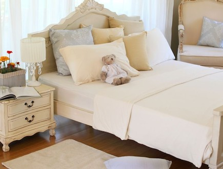 מיטת עץ, טורקיז