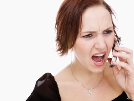 אישה מדברת בטלפון (צילום: אימג'בנק / Thinkstock)