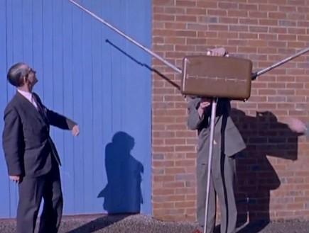 מזוודה נגד גנבים (וידאו WMV: יוטיוב  ,צילום מסך youtube)