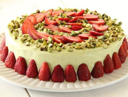 עוגת פיסטוק ושוקולד לבן לפסח