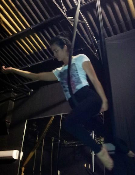 שרי שימחוב לוליינית, אפריל 2012(mako)