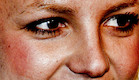 קלוז אפ מפחיד (צילום: celebritycloseup.tumblr.com)