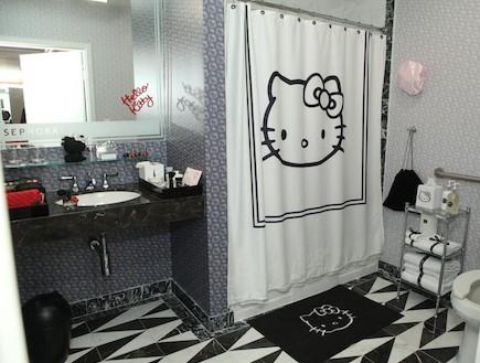 חדר אמבטיה הלו קיטי