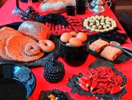 עיצוב אש, שולחן אוכל ומטעמים בצבעי אש