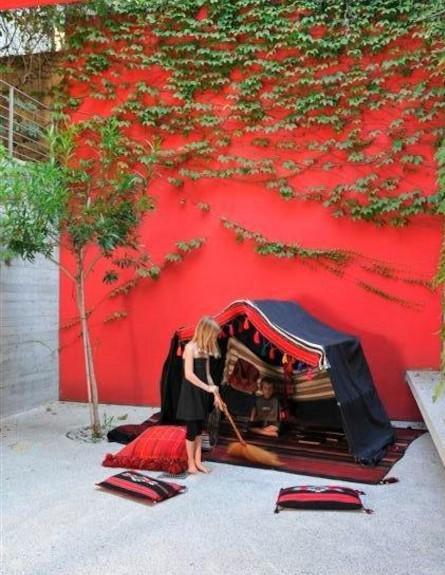 עיצוב אש, ילדה באוהל