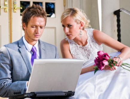 חתן כלה ומחשב