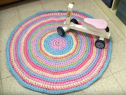שטיח בסריגת יד