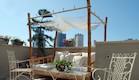 מרפסת גג ברחוב אלרואי בנווה צדק (צילום: שי בן אפרים)