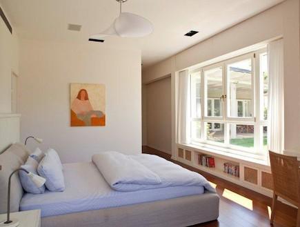 חדר שינה במראה קליל (צילום: עמית גרון)