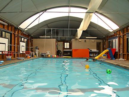 הבריכה בצימר seagall(יחסי ציבור)