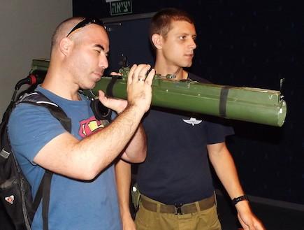 סימולטור הקרב של הצנחנים (צילום: שי לוי)