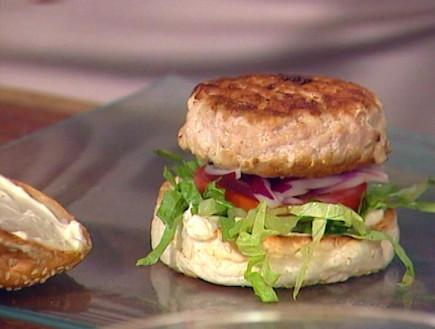 המבורגר עוף והומפרייז, יום חדש(mako)