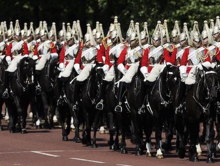 מדי משמר המלכה הבריטי