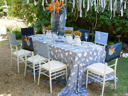 שולחן חג-כיסאות כוחל לבן בעיצוב שלומי ומוליק