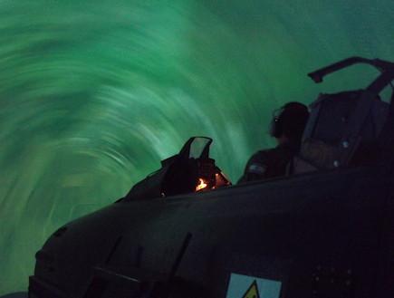 סימולטור F-16 (צילום: שי לוי)