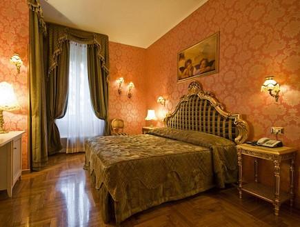 Hotel Romance Rome
