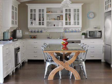 מבט למטבח (צילום: שי אדם)