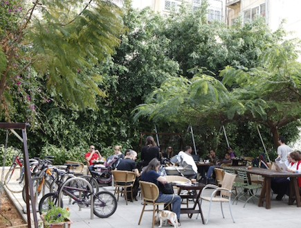 בתי קפה ידידותיים לילדים - לנדוור גן מאיר
