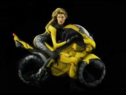 קמפיין חדש מציג: אופנועים אנושיים (צילום: YOUTUBE)