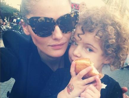 אניה מרטירוסוב(instagram)