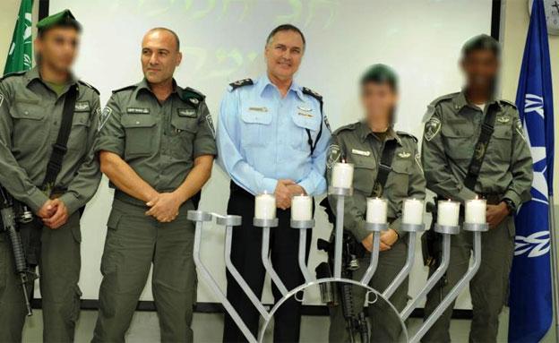 """המפכ""""ל ולוחמי מג""""ב, הערב (צילום: משטרת ישראל)"""