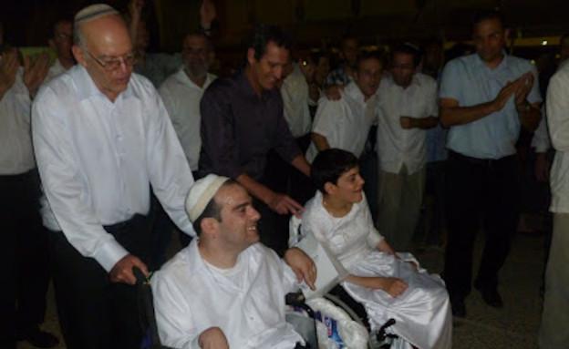 שאול ונטע ענברי בחתונתם(אתר עמותת עינבר)