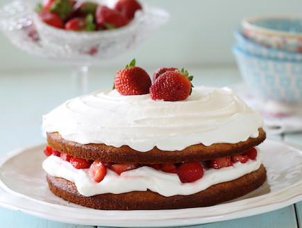 עוגת תותים וקצפת
