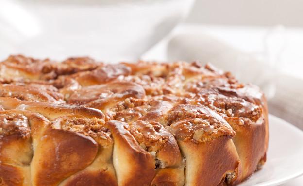 עוגת שושנים במילוי אגוזים ושקדים (צילום: בני גם זו לטובה ,אוכל טוב)