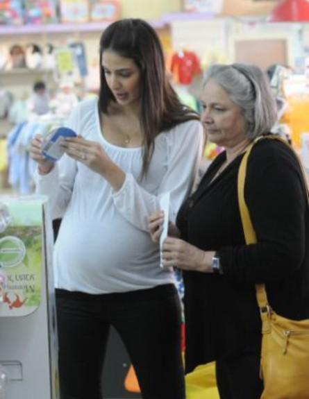 מירי לוי בהריון מתקדם