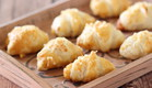 קרואסון גבינה (צילום: חן שוקרון ,אוכל טוב)