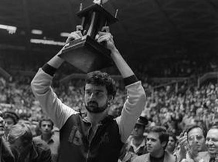 בוטרייט עם עוד גביע, אחד הגדולים (אתר macabbifans)