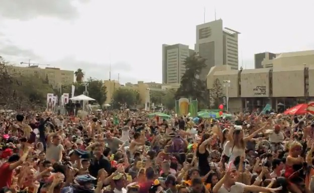 70 אלף איש בהארלם שייק ענק בתל אביב (צילום: יוטיוב )
