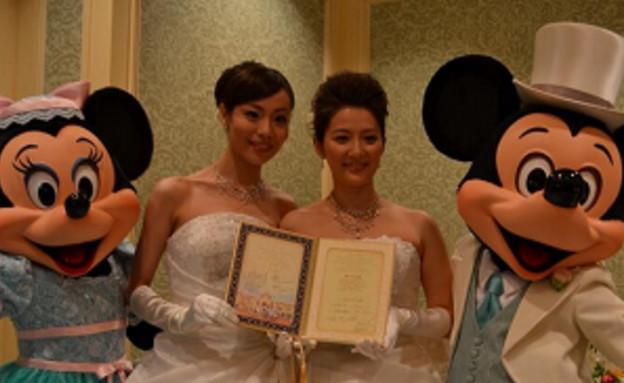 חתונה לסבית דיסנילנד יפן (צילום: צילום מסך מתוך טוויטר)