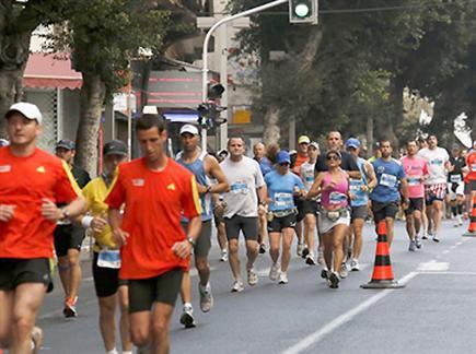 """מרתון ת""""א. ועכשיו ההפגנה(ספורט 5)"""
