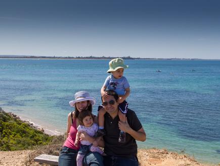 מיכל יושאי ומשפחתה בטיול
