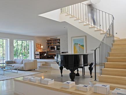 גליה שטרנברג, סלון מדרגות עלייה (צילום: שי אדם)