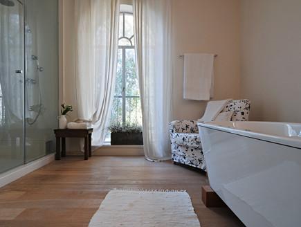 גליה שטרנברג, אמבטיה (צילום: שי אדם)