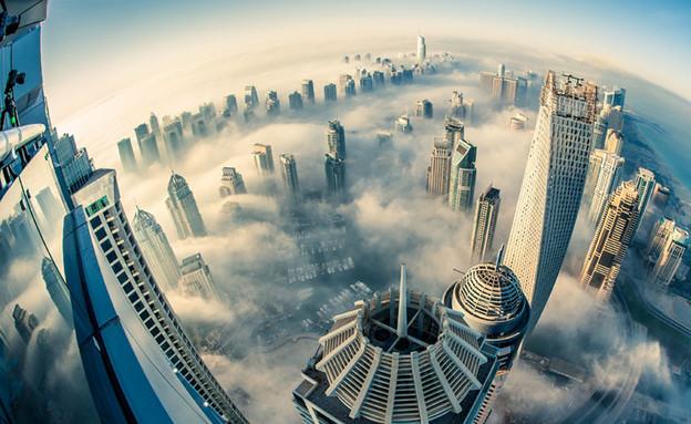 דובאי - העיר בעננים (צילום: boredpanda.com)