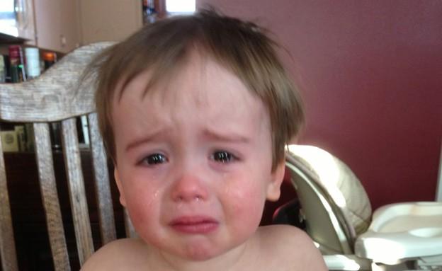 צ'ארלי בוכה - סתם ככה (צילום: גרג פמברוק מתוך הבלוג reasonsmysoniscrying)
