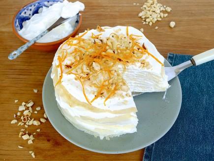 עוגת קרפים עם רום, תפוז ואגוזי לוז