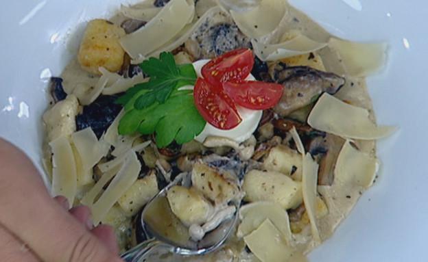 ניוקי גבינות ברוטב פטריות(mako)