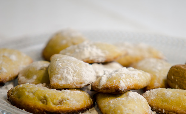 מאפים ממולאים גבינה ושקדים (ספוליאטלה) (צילום: עדי עובדיה ,מאסטר שף)