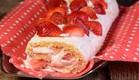 רולדת קצפת ותותים (צילום: יפית בשבקין ,אוכל טוב)