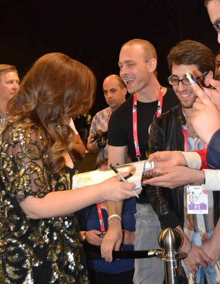 מורן מזור במסיבת עיתונאים באירוויזיון