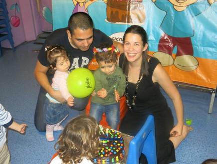 בנה של מיכל יושאי חוגג יום הולדת בישראל