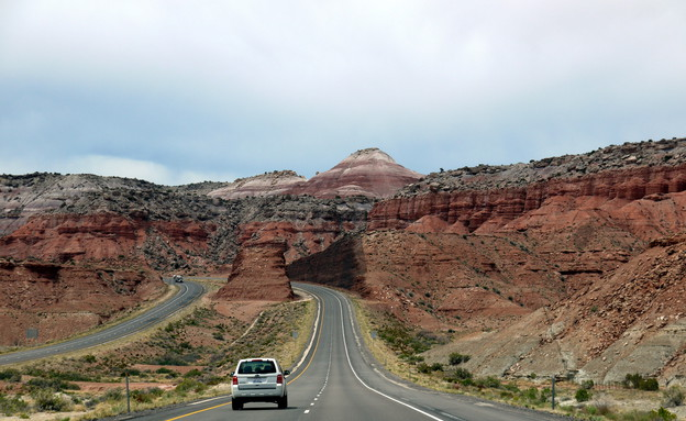 נהיגה במעבר מיוטה (צילום: שי גל)